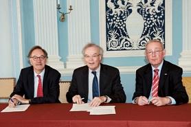 ondertekening sponsorcontract Boerhave biografie prijs